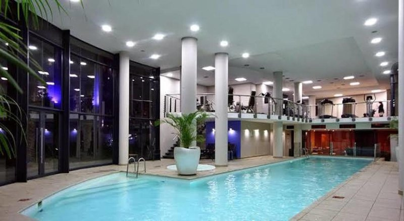 City Stay 2 bedroom apartment, vacation rental in Century City