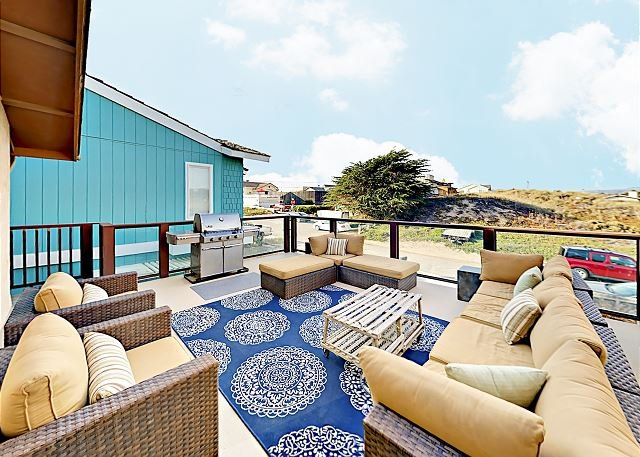 Coastal Home w/ Large Deck & Foosball - Steps to Beach! Near Pismo, holiday rental in Oceano