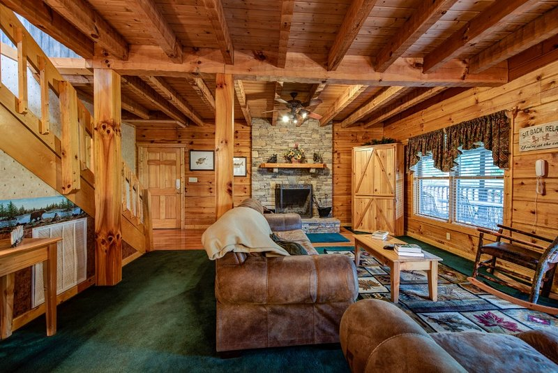 Douglas Lake Hilltop Hideaway, holiday rental in Dandridge