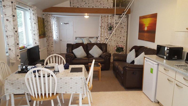 Beautiful 1-Bed Lodge Torquay, vacation rental in Kingsteignton