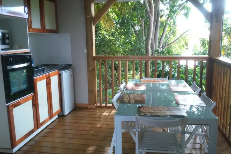 Beautiful villa with swimming-pool, holiday rental in Douville