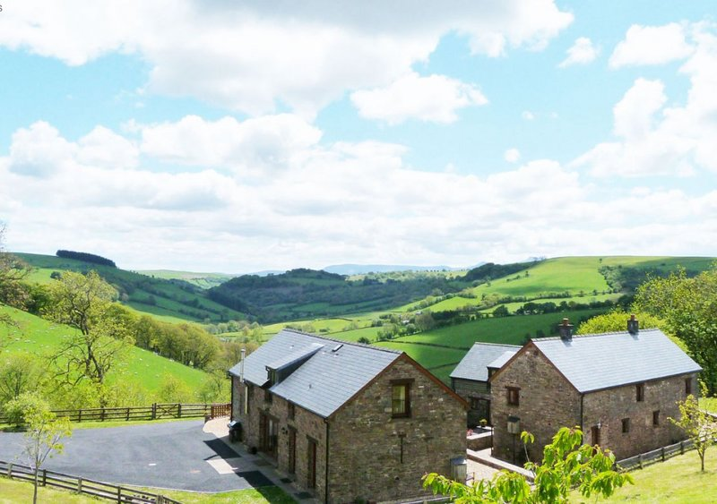 Beacons View Farm Cottages, holiday rental in Llanwrtyd Wells