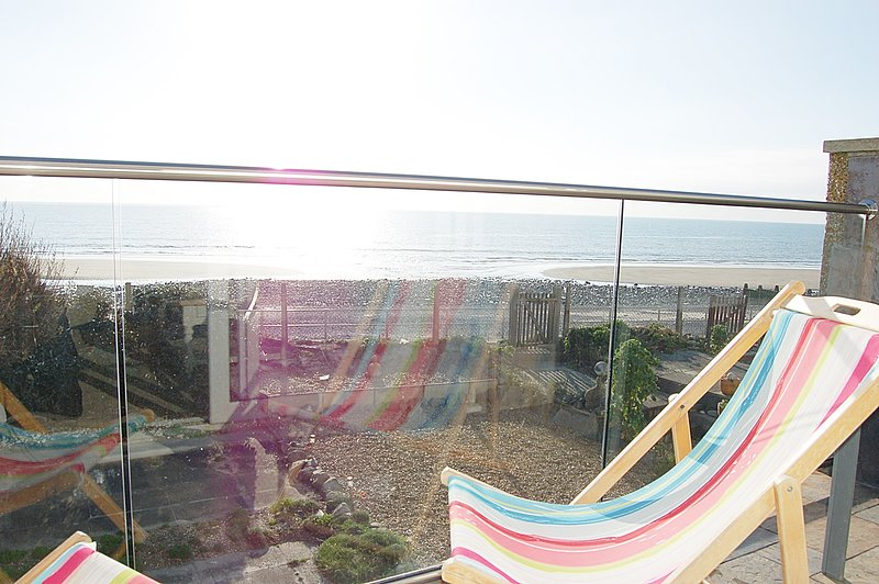 Ty Traeth Coastal Beach House, vacation rental in Tywyn