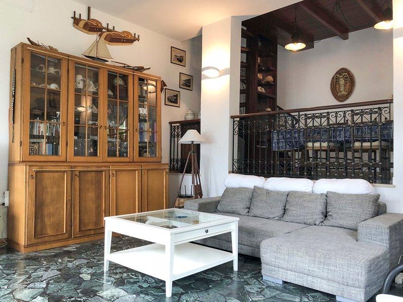 Portovenere Town House Sleeps 6 - 5803843, alquiler de vacaciones en Porto Venere