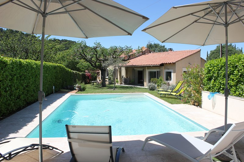 LS4-330 BEL AMOUR Beautiful rental in Le Beaucet near to Carpentras - 8 sleeps, casa vacanza a Le Beaucet