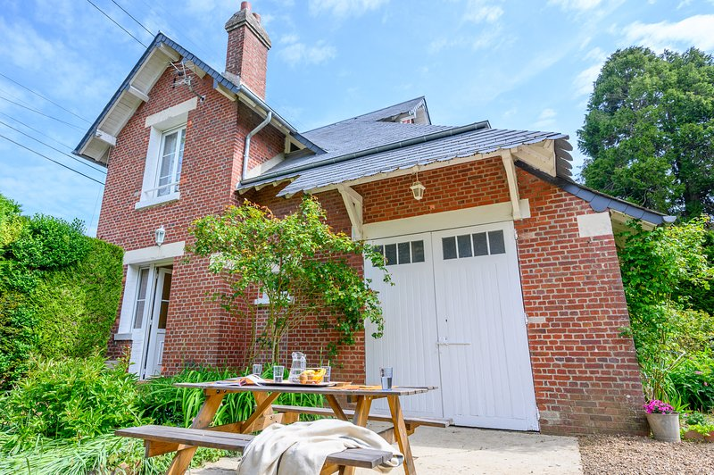Le Manoir Enchanté, holiday rental in Pronleroy