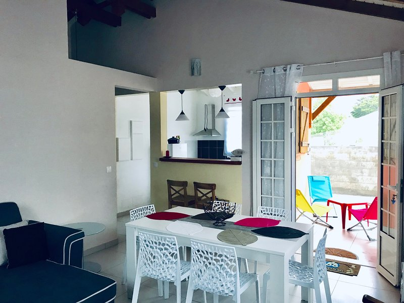 Beautiful house with sea view, vacation rental in Gros Cap