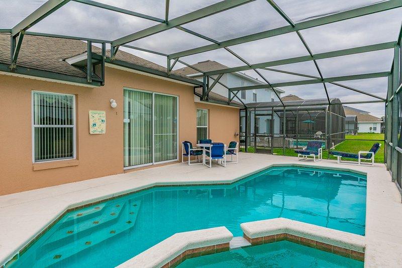 Beautiful golf course view, pool home 640, location de vacances à Saint Cloud