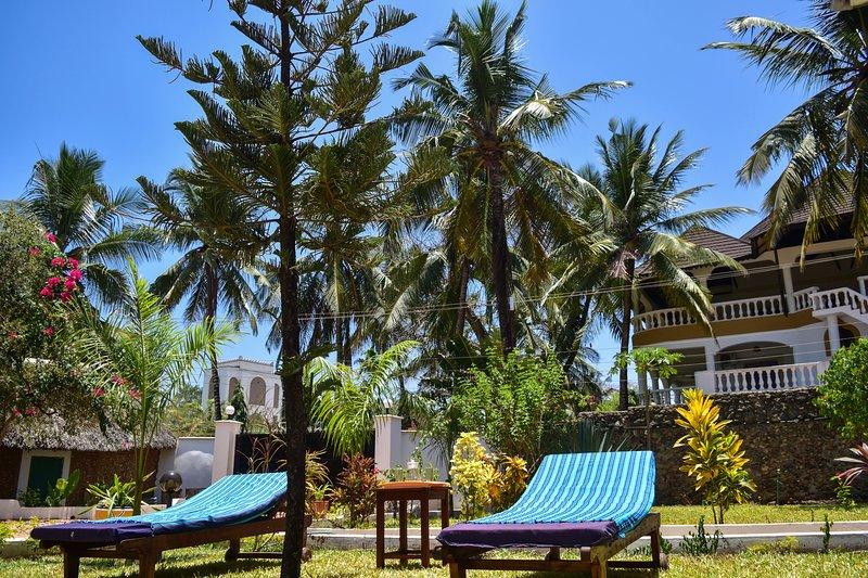 Tahira Villa, vacation rental in Tiwi