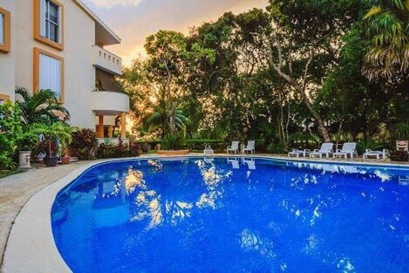 Apartment Front Reef - Playacar, holiday rental in Playacar
