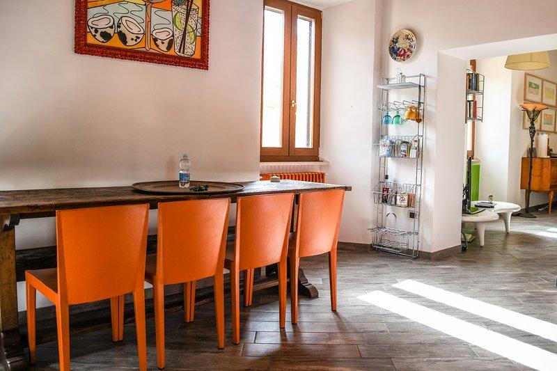 Residenza al Foro Romano - bellissimo appartamento nel centro storico di Spello, vacation rental in Spello