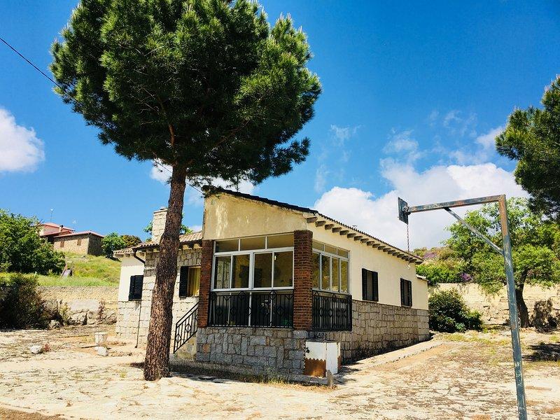 Los Robles, holiday rental in Pradosegar