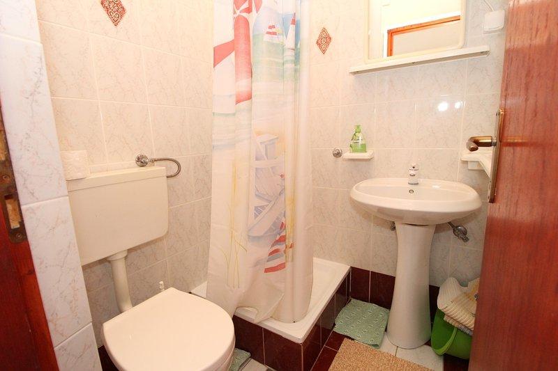 SA6 Grgur (2 + 1): bagno con wc
