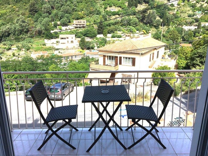 Nice apt near the beach & balcony, holiday rental in Castillon
