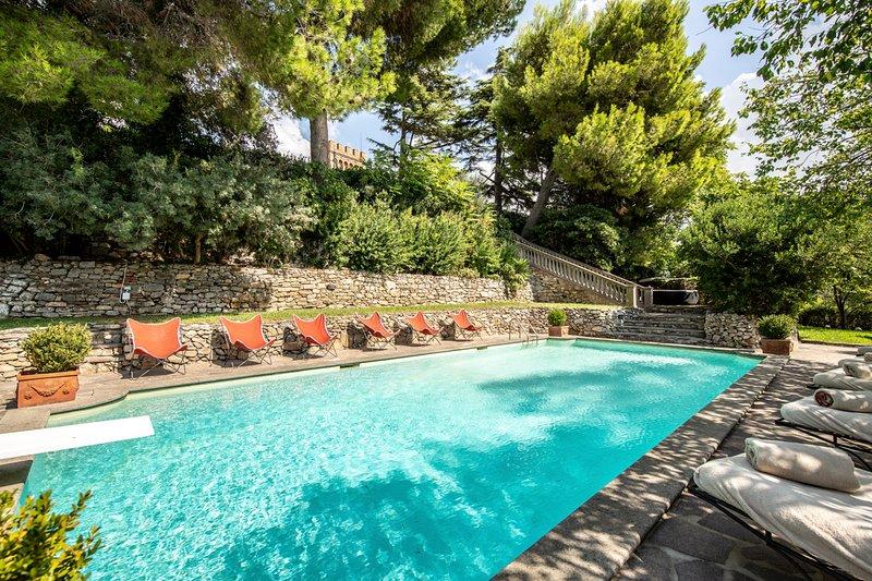 La Caduta Chateau Sleeps 24 with Pool and Air Con - 5049019, holiday rental in Campiglia Marittima
