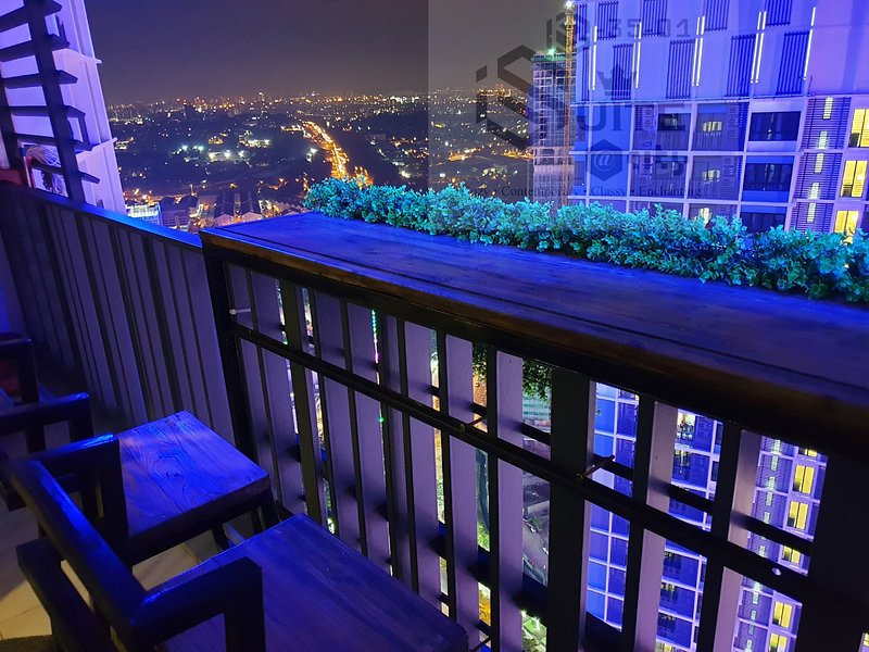 iSuite B-35-01 Duplex Penthouse at I-City with Panoramic Sky Bar, vakantiewoning in Klang