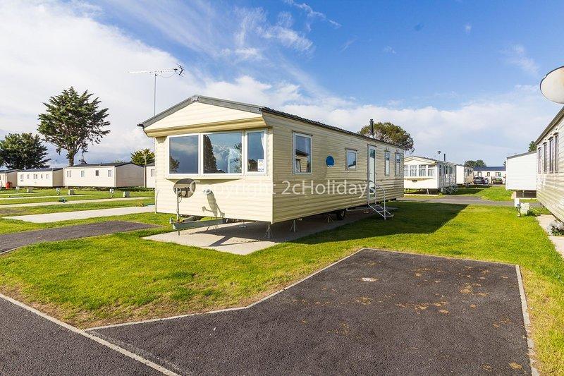 8 berth caravan for hire at Seawick Holiday Park in Essex ref 27034HV, aluguéis de temporada em Essex