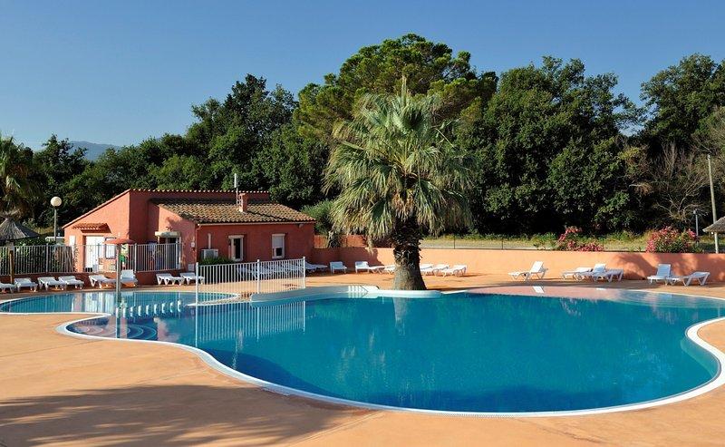 Mobil home 3 chambres avec piscine, clim/wifi dans Camping 3* Argelès Plage, casa vacanza a Plage d'Argeles