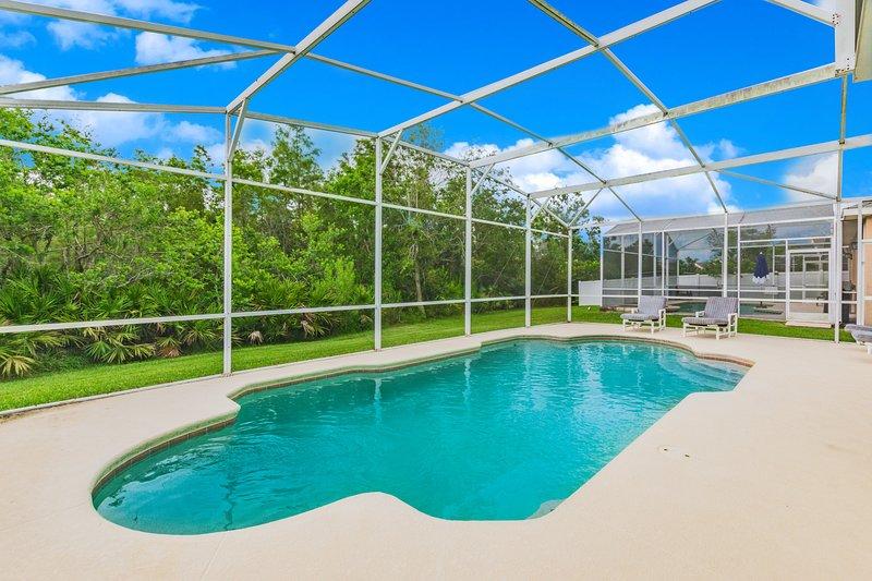Lovely Pool Home, Pet Friendly. Orlando 1744, aluguéis de temporada em Southport
