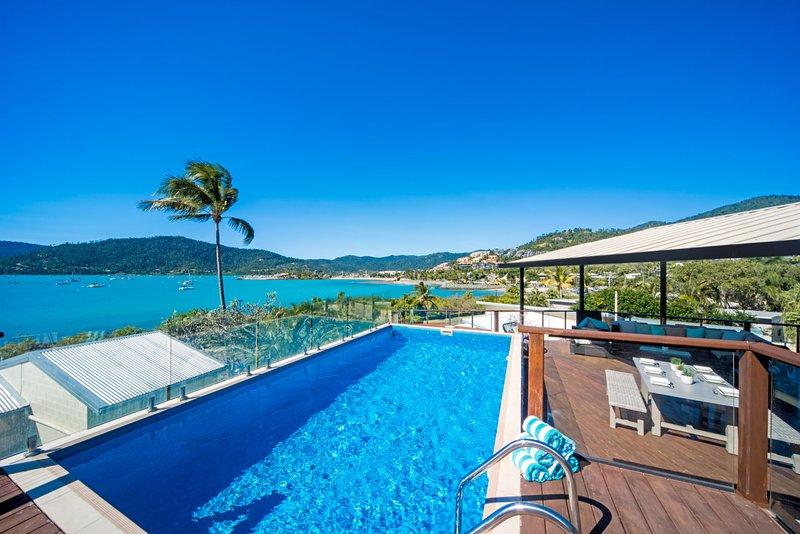 Oasis on Oceanview - Airlie Beach, holiday rental in Flametree