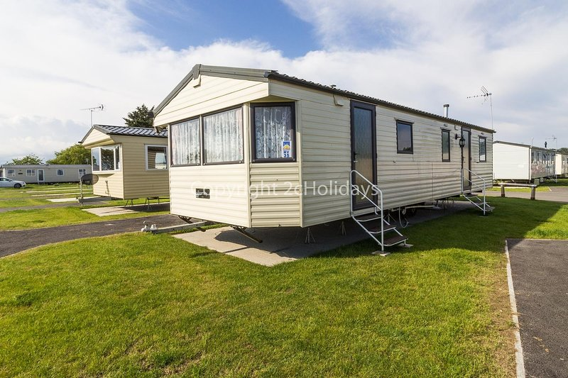 10 berth static caravan for hire at Seawick Holiday Park in Essex ref 27035HV, location de vacances à Clacton-on-Sea