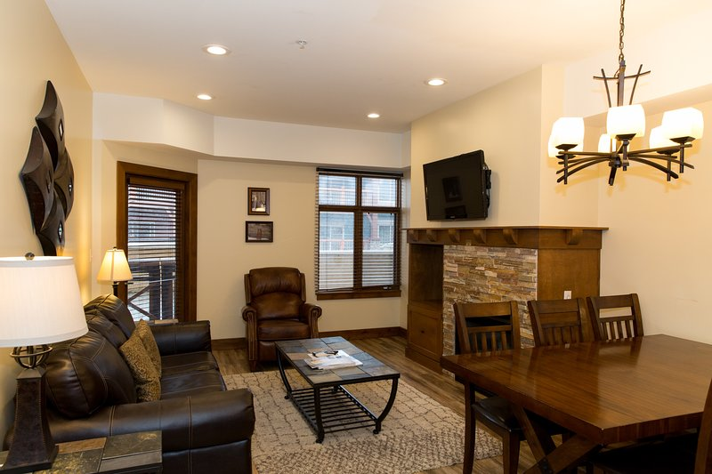 Totally remodeled 2Br with Large Balcony, vacation rental in Snyderville