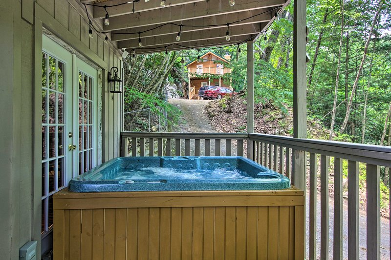 You'll have superb amenities during your stay including a private hot tub.