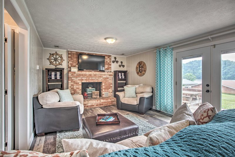 This 3-bedroom, 2-bathroom home offers accommodations for 6 adults and 3 kids.