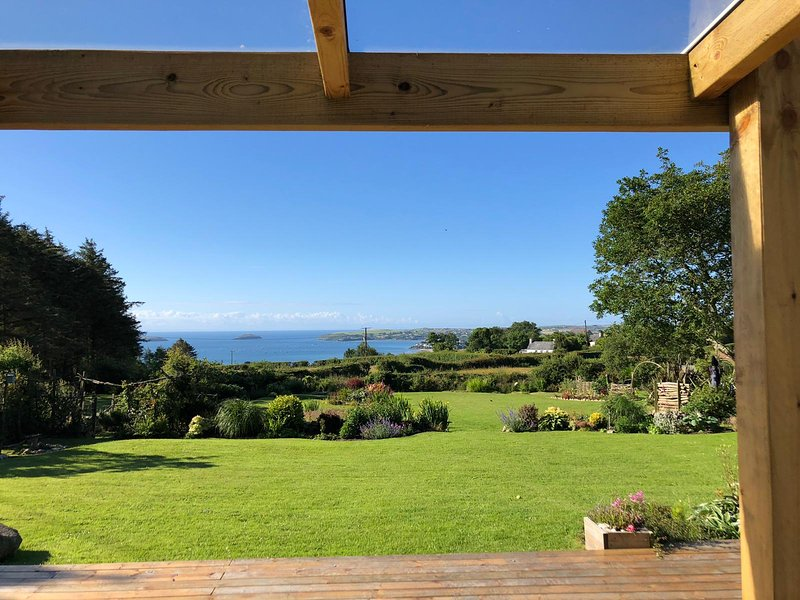 Mur Cwymp - Cottage Retreat - Stunning Location, holiday rental in Pwllheli