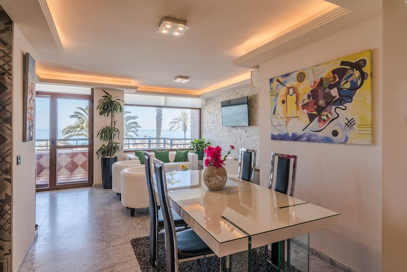 Luxury Beachfront Suite, vacation rental in Malaga