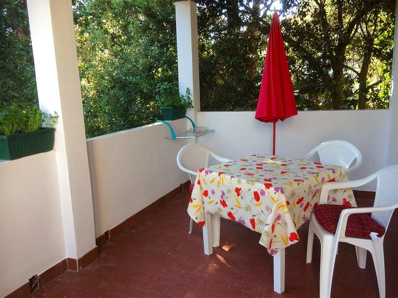 Cunski Apartment Sleeps 3 with Air Con - 5807104, vakantiewoning in Susak