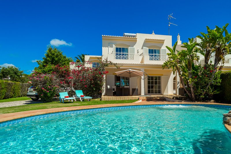 Villa Serena da Luz, holiday rental in Espiche