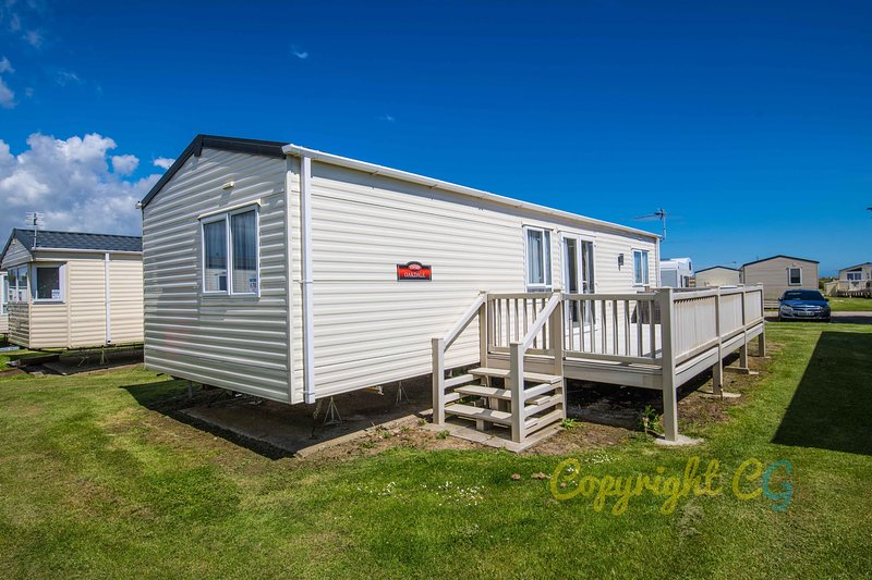 MP678 - Camber Sands Holiday Park - Sleeps 6 + Small Dog - 2 x Ensuite Bedrooms, Ferienwohnung in Lydd