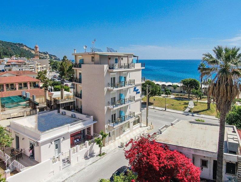 Sea La Vie 2 bedroom City Villa, vakantiewoning in Zakynthos Town