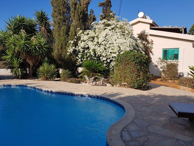 Konnos villa cover photo