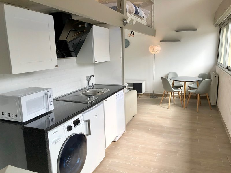 Charmant Duplex Trouville/Deauville 5mn gare, holiday rental in Touques