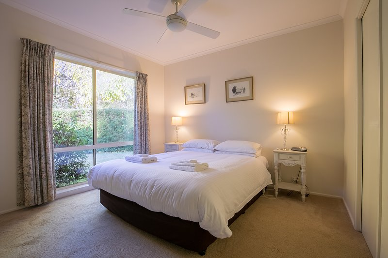The Birch House - Silver Birches Luxury Accommodation Bright, alquiler de vacaciones en Eurobin