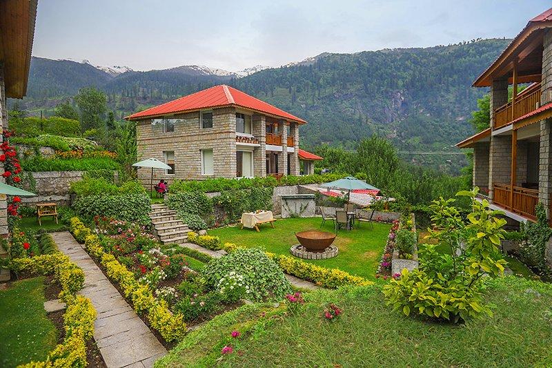 The Amrit Manali, vacation rental in Burua
