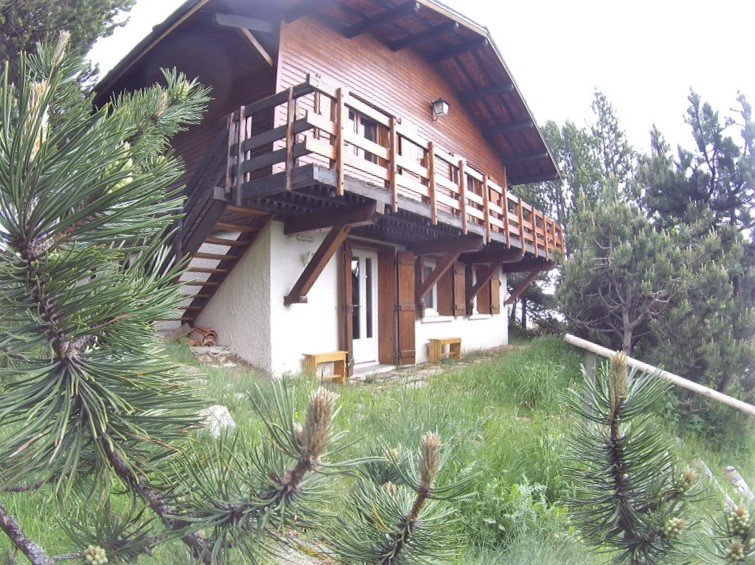 RDC chalet, 4 couchages (ou chalet entier + 6 lits), holiday rental in La Llagonne