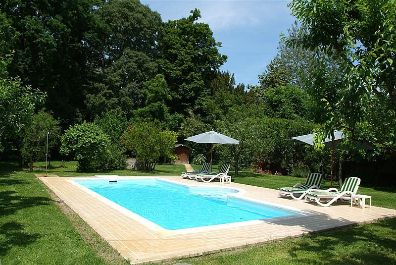 Sermide Villa Sleeps 10 with Pool Air Con and WiFi - 5229094, alquiler de vacaciones en Poggio Rusco