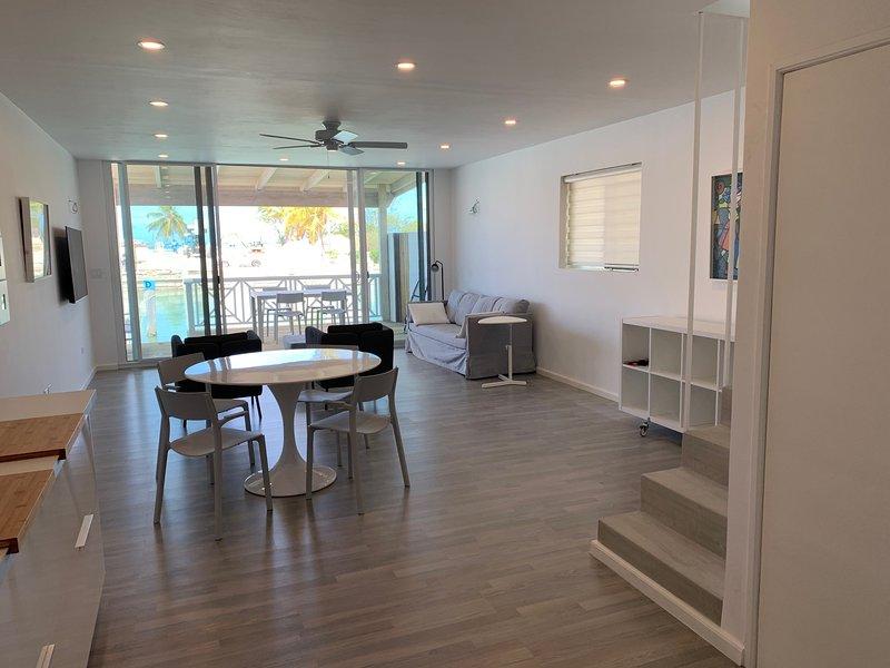 Luxury Waterfront Villa 431F, alquiler de vacaciones en Saint John Parish