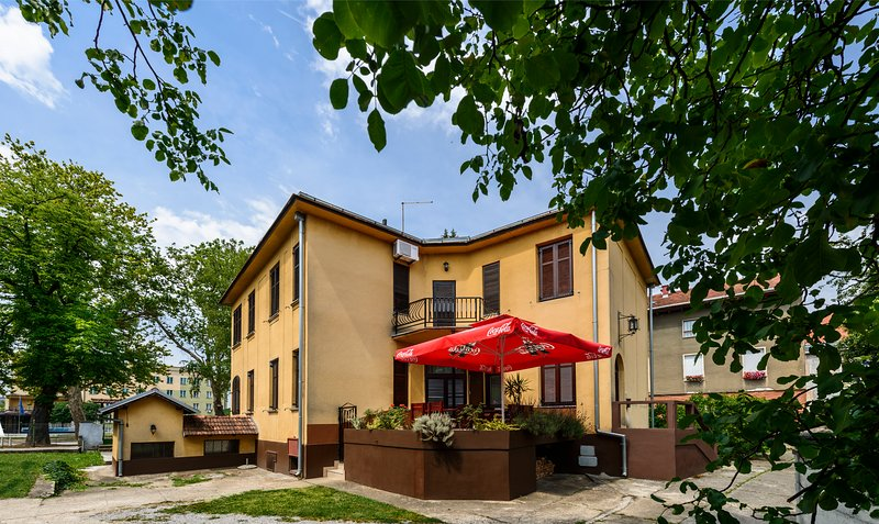 Vila Regina Rooms, holiday rental in Donja Kupcina