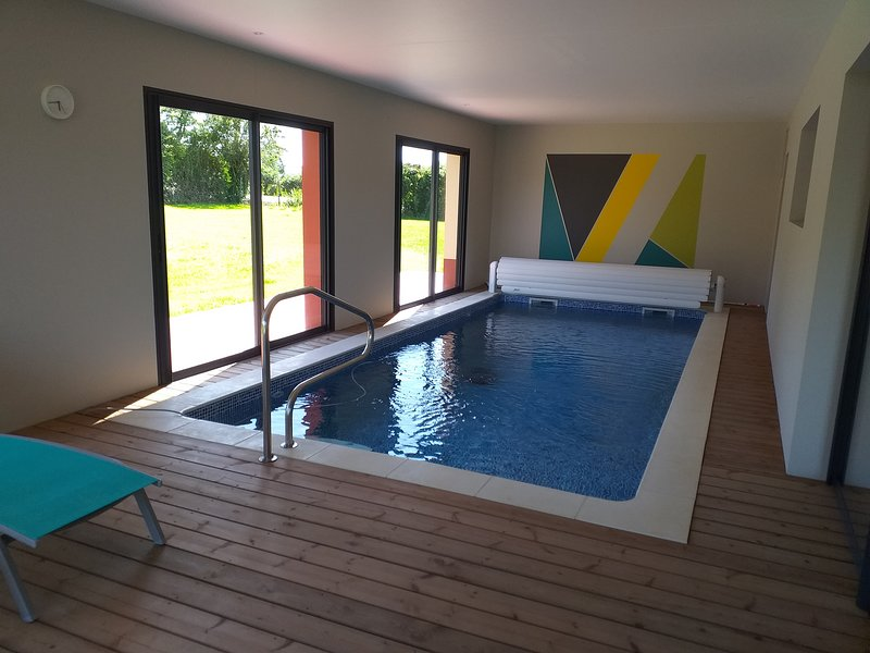 private indoor pool heated to 30 ° C all year round