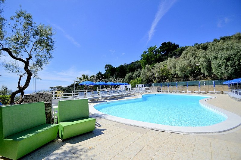 Arenaccia Villa Sleeps 4 with Pool and Air Con - 5807181, vacation rental in Schiazzano