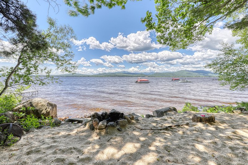 Lakefront home w/ views, water access for boating/swimming & more, holiday rental in Freedom