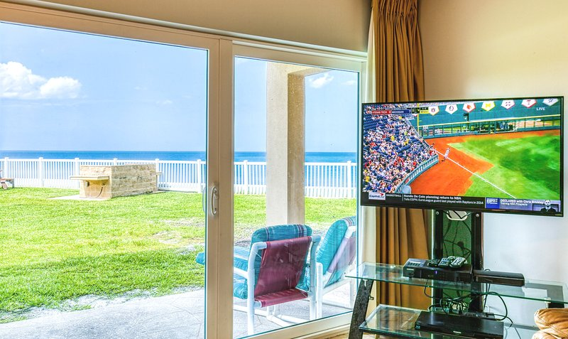 ** Oceanfront ** Ground Level with Excellent View of the Ocean, holiday rental in Palm Shores