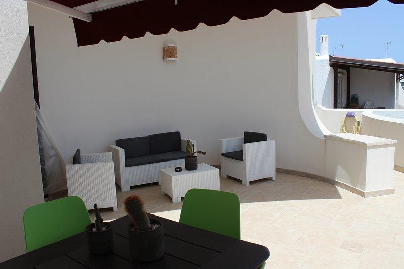 Damavi suite - Libeccio - Appartamento a Torre dell'Orso, 200 m dal mare, holiday rental in Sant'Andrea