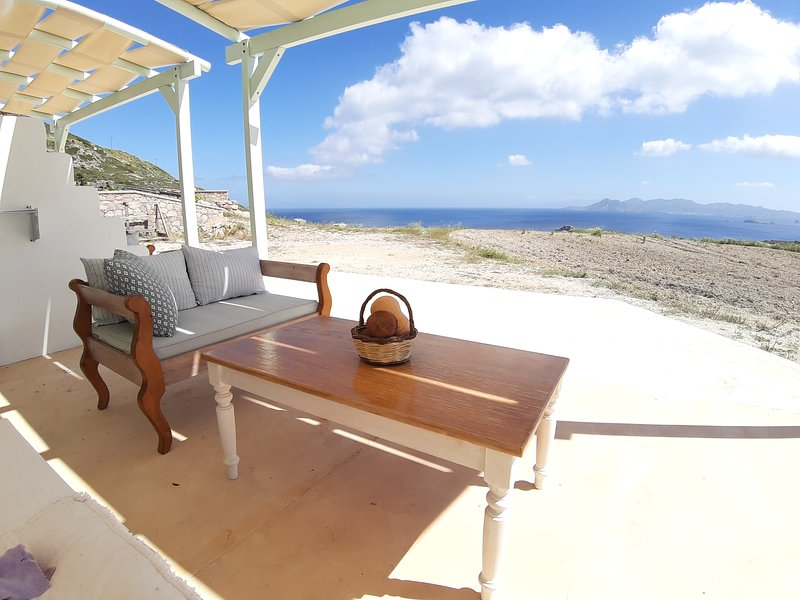 'The Cedar'minimal chic, boutique holiday home, casa vacanza a Milos