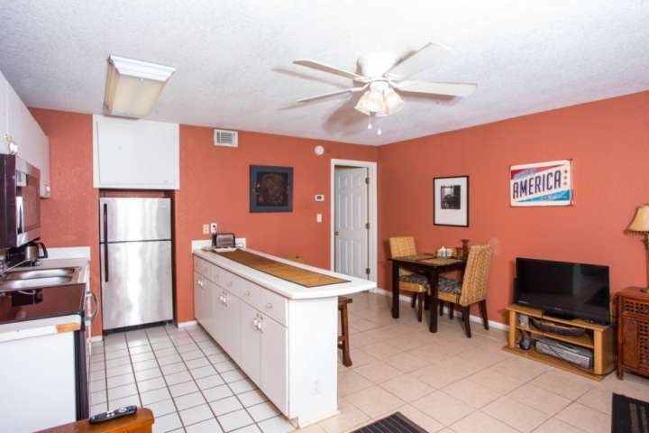 Full kitchen with dishwasher--steps from the beach