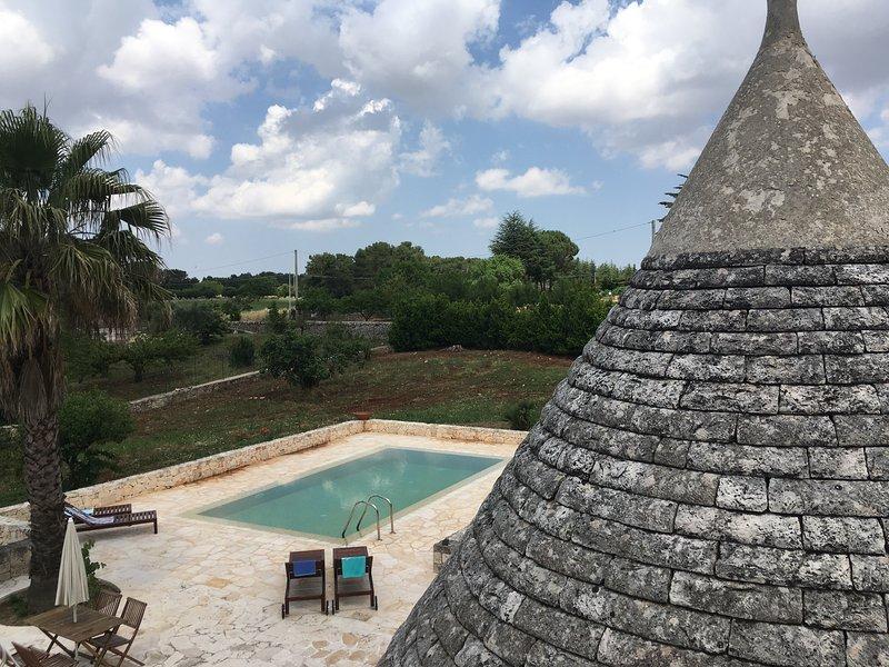 Trullo Pietro - traditional trullo with private pool in Martina Franca, vacation rental in Massafra